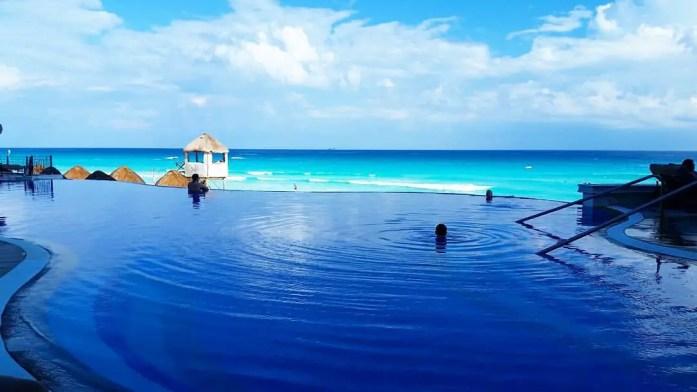 cancun-pool