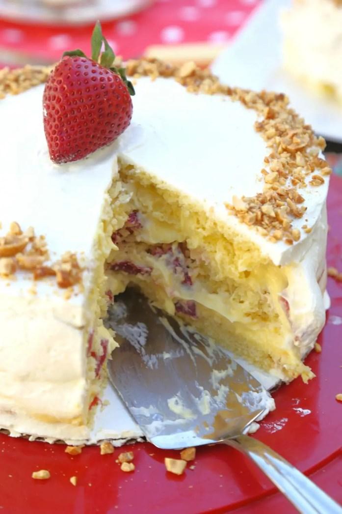 Custard-Filled_Victoria_Sponge_Cake_042218_5