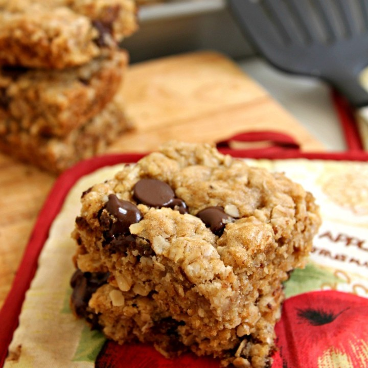 Idiot-Proof Healthy Chocolate Chip Oat Bars