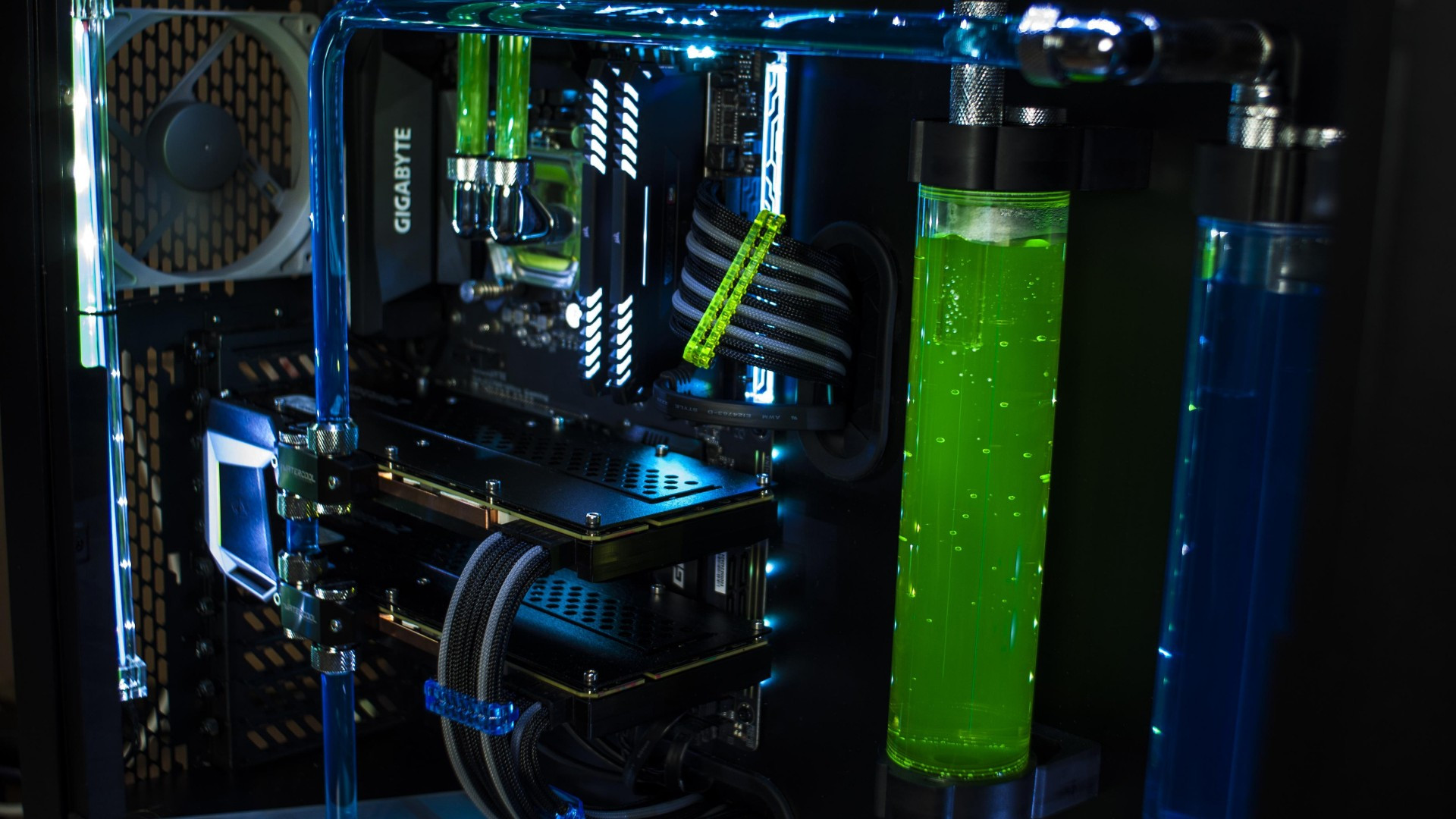 Download 1920x1080 Custom Water Cooling Green Liquid Pc Gaming Wallpapers For Widescreen Wallpapermaiden