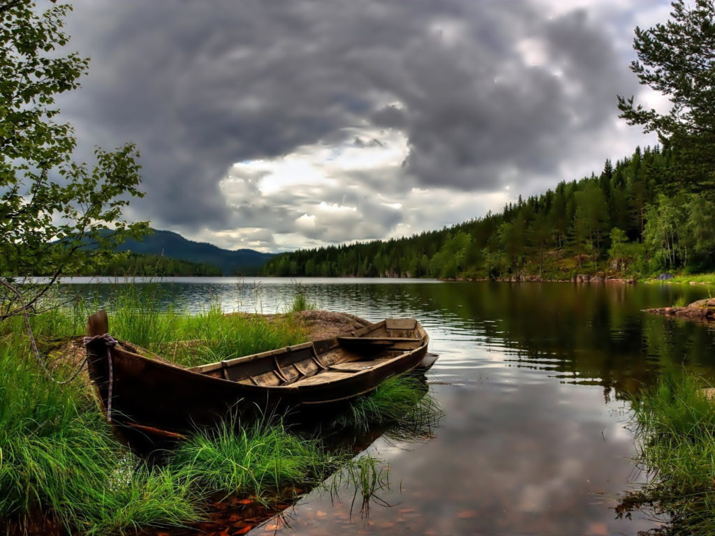 Wallpaper Hd Boat Grass Lake Mountain Forest