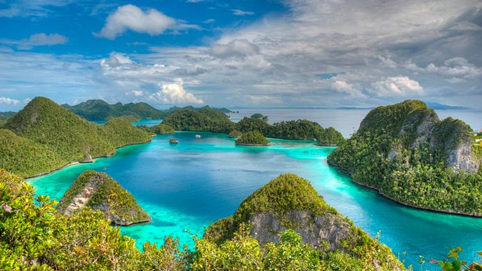 Raja Ampat Indonesia Beautiful Hd Wallpaper Islands With ...
