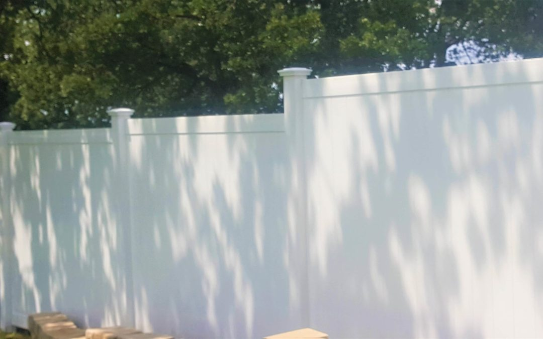 The Best Way To Maintain A Vinyl Fence