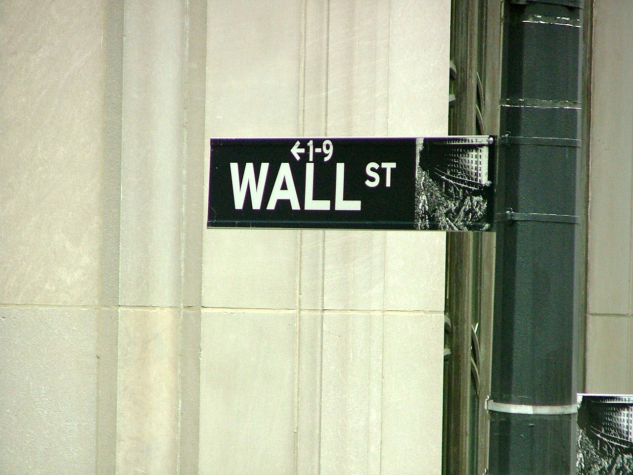 What Is The Best Sp 500 Etf Spy Voo Or Ivv The Wall Street