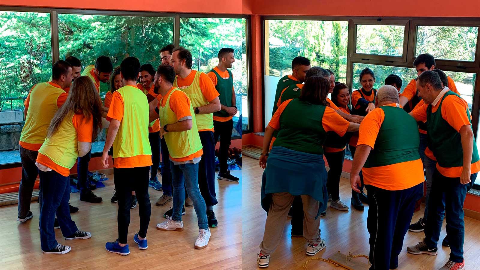 Formando equipo en el Team Building de Walmeric