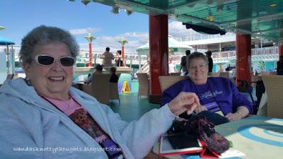 Knitters on the Alaska cruise   wandasknottythoughts.com
