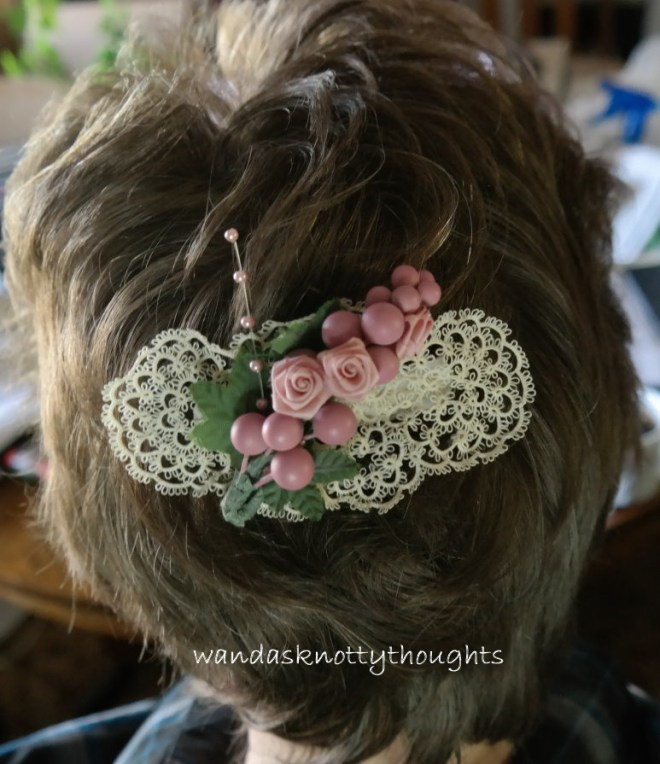 Tatted barrette on wandasknottythoughts