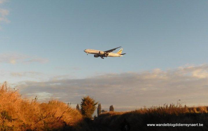 Vliegtuigen boven ons hoofd tussen Kortenberg en Lemmeke