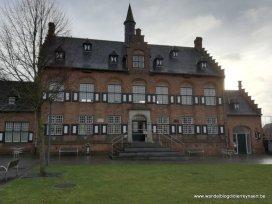 voormalig gemeentehuis Westrozebeke