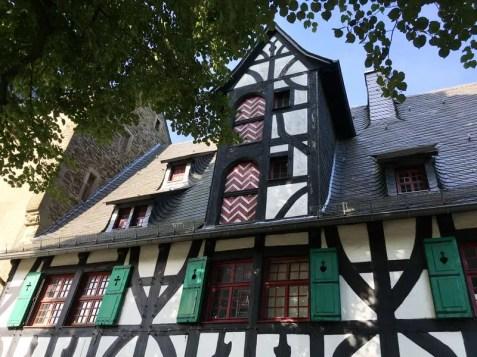 Impression vom Innenhof im Schloss Burg.