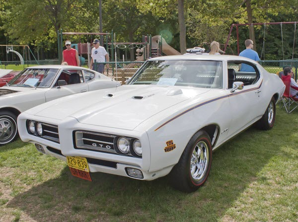 11 Vintage Muscle Cars that Deserve their Own Super Bowl Commercial