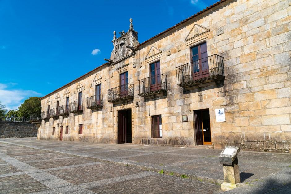 Fachada del Pazo de Fefiñans, en el centro histórico de Cambados | © Javier García Blanco