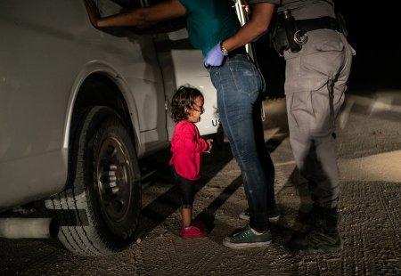 Niña llorando en la frontera / © John Moore (Getty Images)