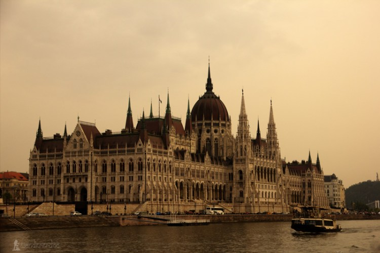 5 things to do Danube cruise Budapest Hungary travelblog wandererdoc