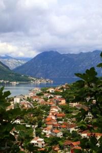 Reizen Montenegro - uitzicht over Baai van Kotor
