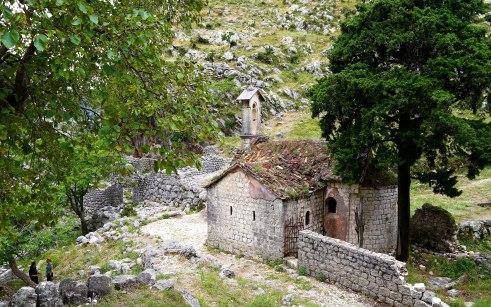 Reizen Montenegro - kapel op Ladder van Kotor