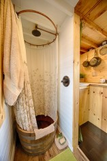 Tiny House Movement - Belgium - alle comfort in de badkamer