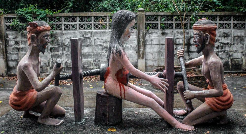 Wang Saen Suk Hell Garden - Thailand (weird tourist attractions)