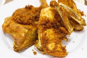 Ayam Goreng kuchnia indonezja