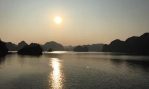 Ha Long Bay on a budget