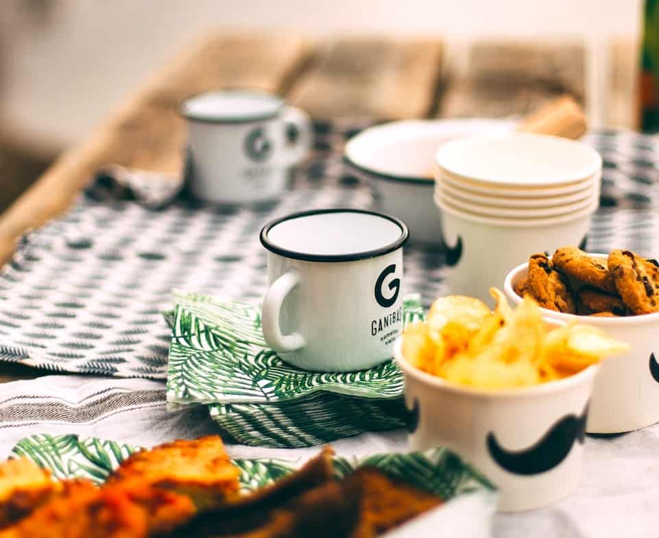 Meal planning on a road trip doesn't have to be tough. Here are some easy road trip meal ideas to help you get started and enjoy the journey! #roadtrip #camping #recipes #mealplanning #campervan #motorhome #wanderingbird #foodideas