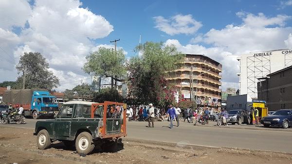 Visit Nairobi - street scene