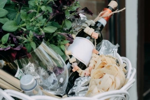 wine and pasta gift basket and idea for creating your own gift baskets