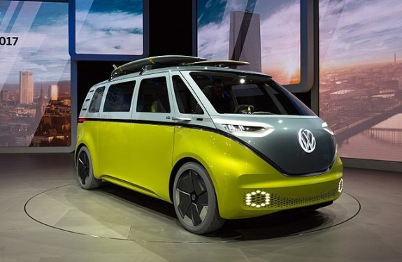 Nissan Leaf EV VW ID BUzz