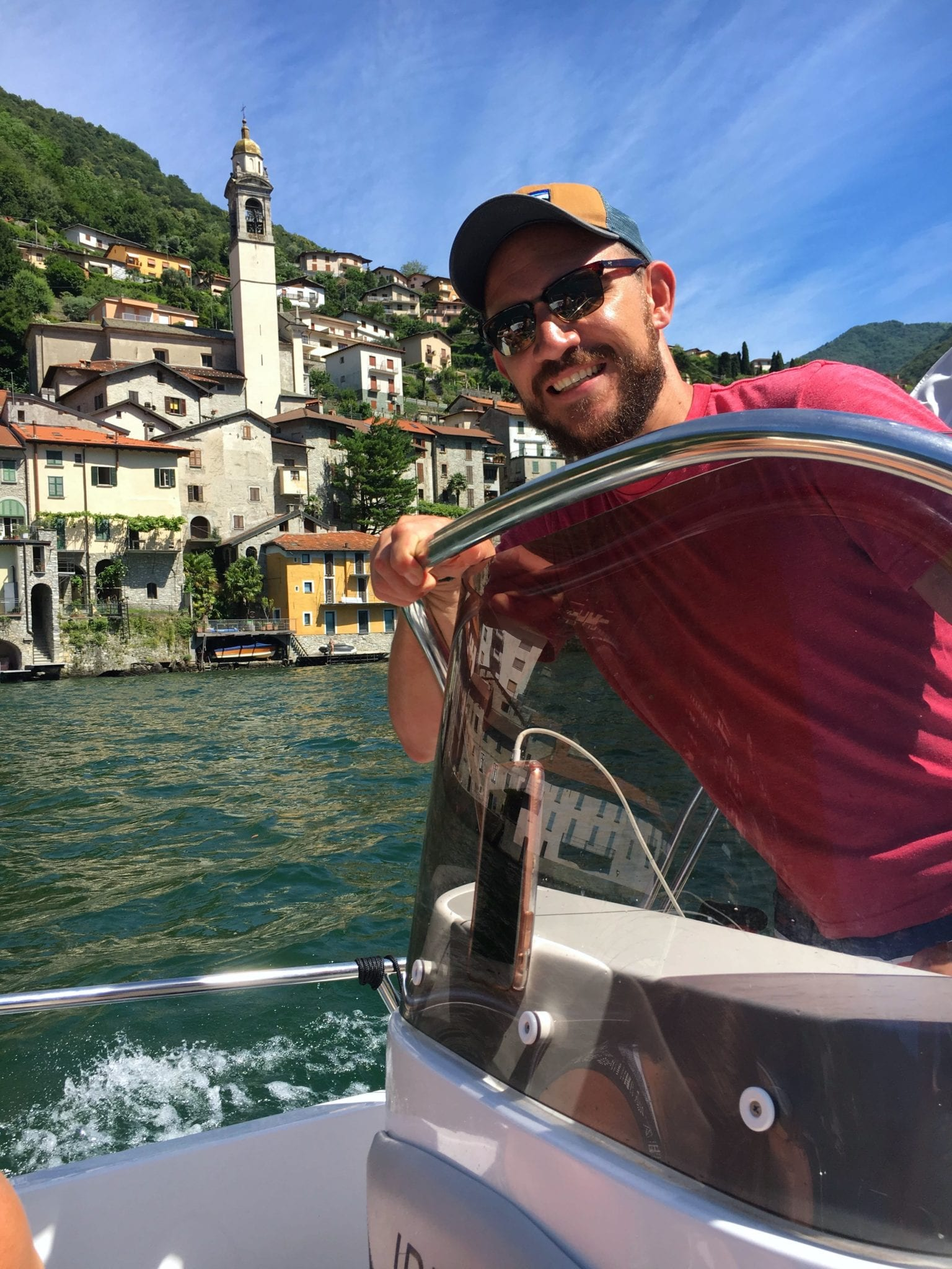 Boat rental around Lake Como