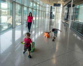 Melissa and Doug Trunki - Airport