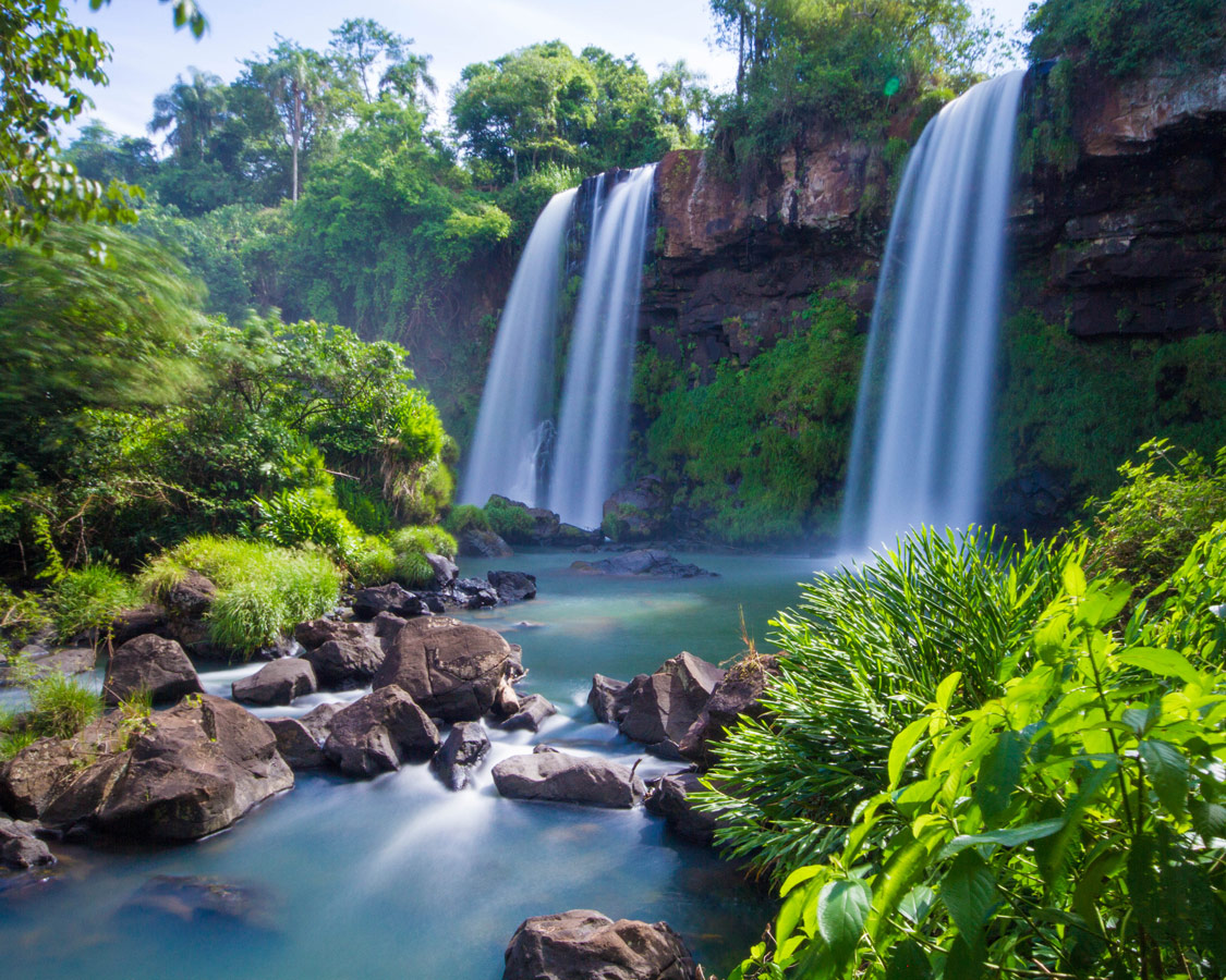 View of Salto dos Hermanas was one of our favorite waterfalls in our visit to Iguazu Falls Argentina with kids.