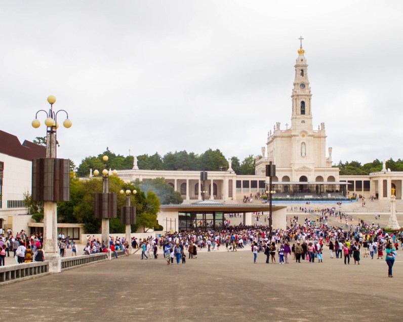 Main-square-at-Fatima-Portugal2