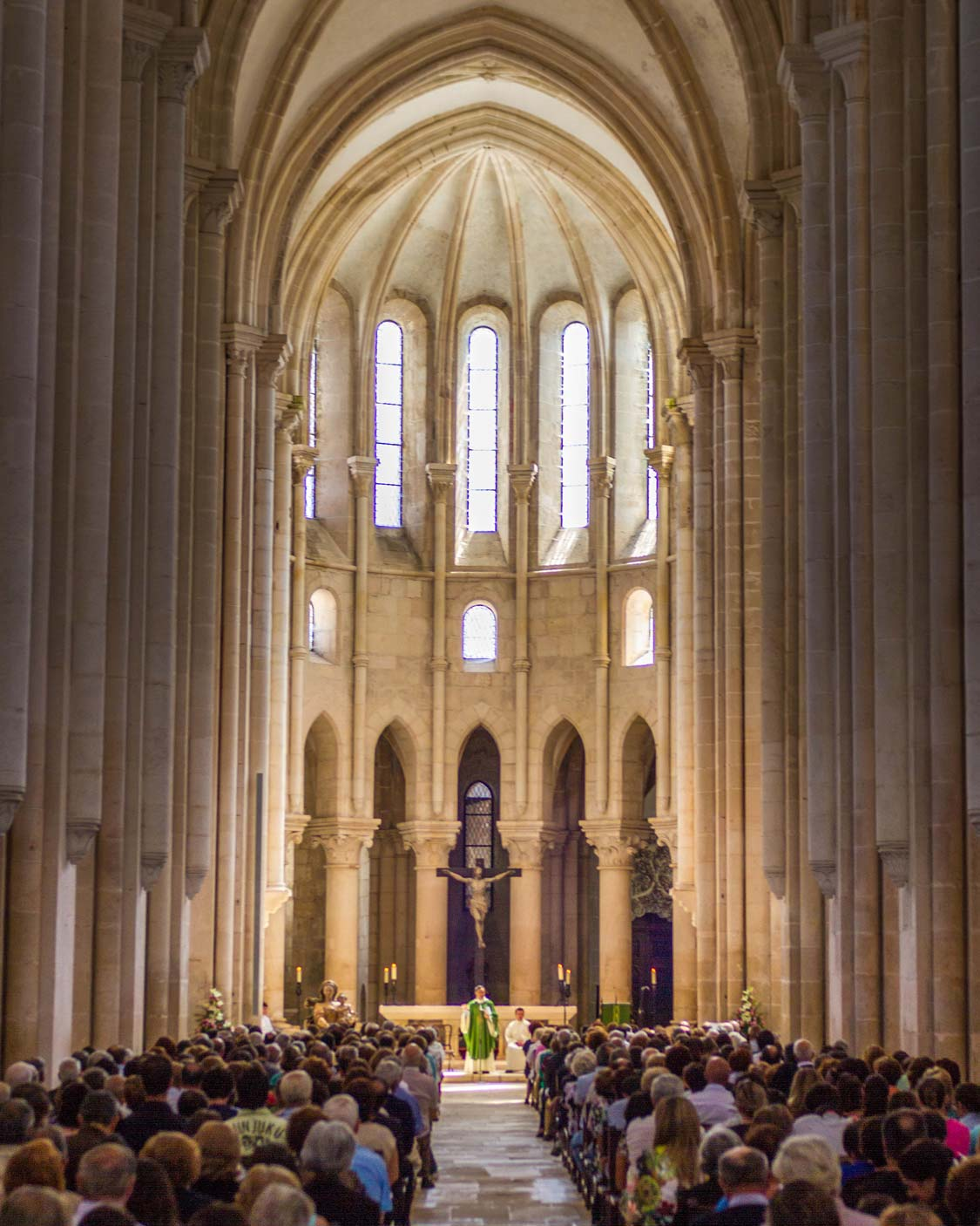 Mass at Alcobaca Church in Alcobaca Portugal 2