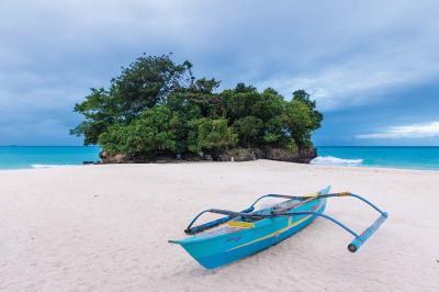 Philippine paraw boat at Punta Bunga Beach at the Movenpick Boracay hotel