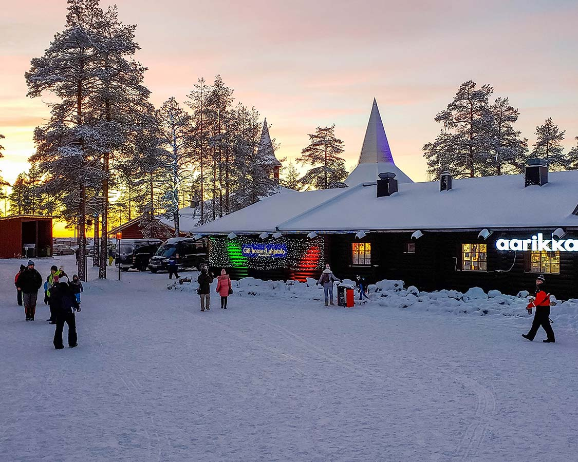 Santas-Christmas-Village-Rovaniemi-Shopping