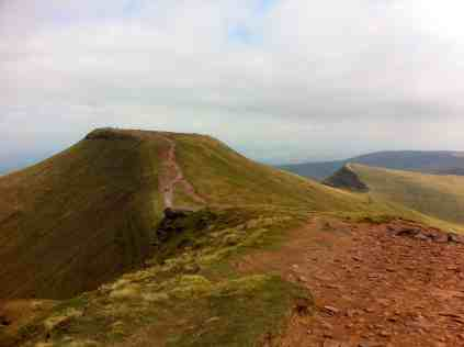 Path from Corn Du to Pen y Fan from the top of Corn Du