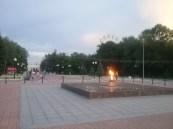 In jeder Russischen Stadt vorhanden: Die Flamme des unbekannten Soldaten, so auch hier gleich mitten in der Fußgängerzone von Yoshkar Ola.