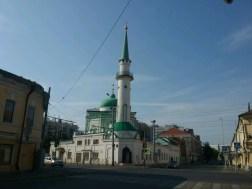 Tataren als Muslime leben zu 46% in Kazan, während Moscheen allerdings wenige im Stadtbild zu sehen sind. Diese hier fand ich nahe meines Hostels in der äußeren Innenstadt.