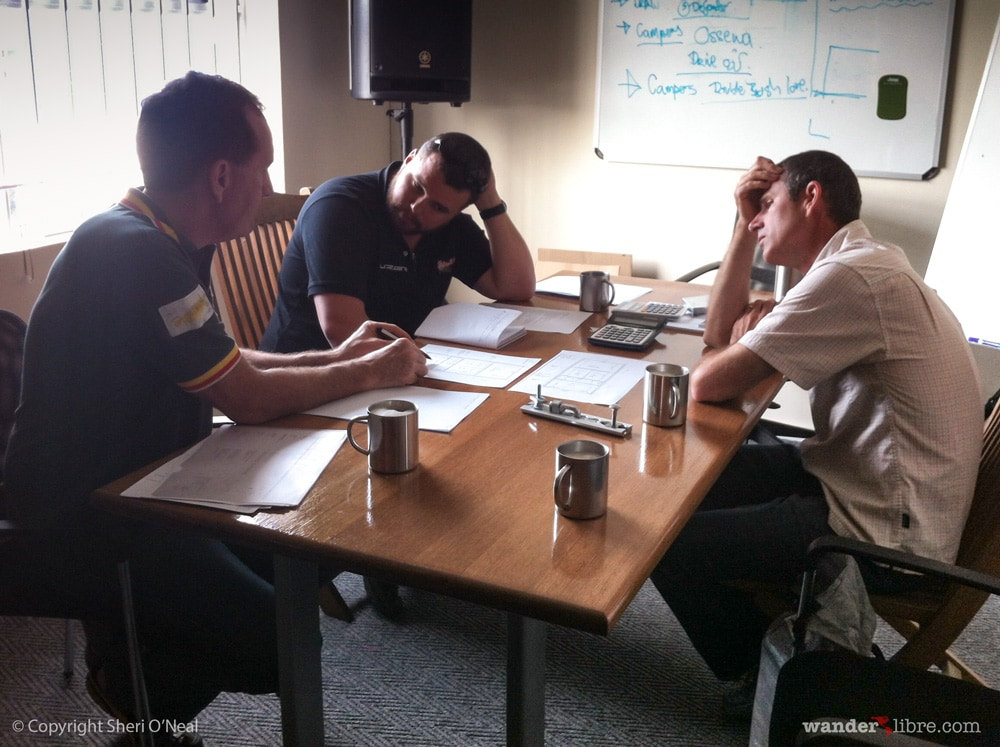 Discussing Pop-Top Roof Modifications With Paul & Warwick (Alu-Cab)