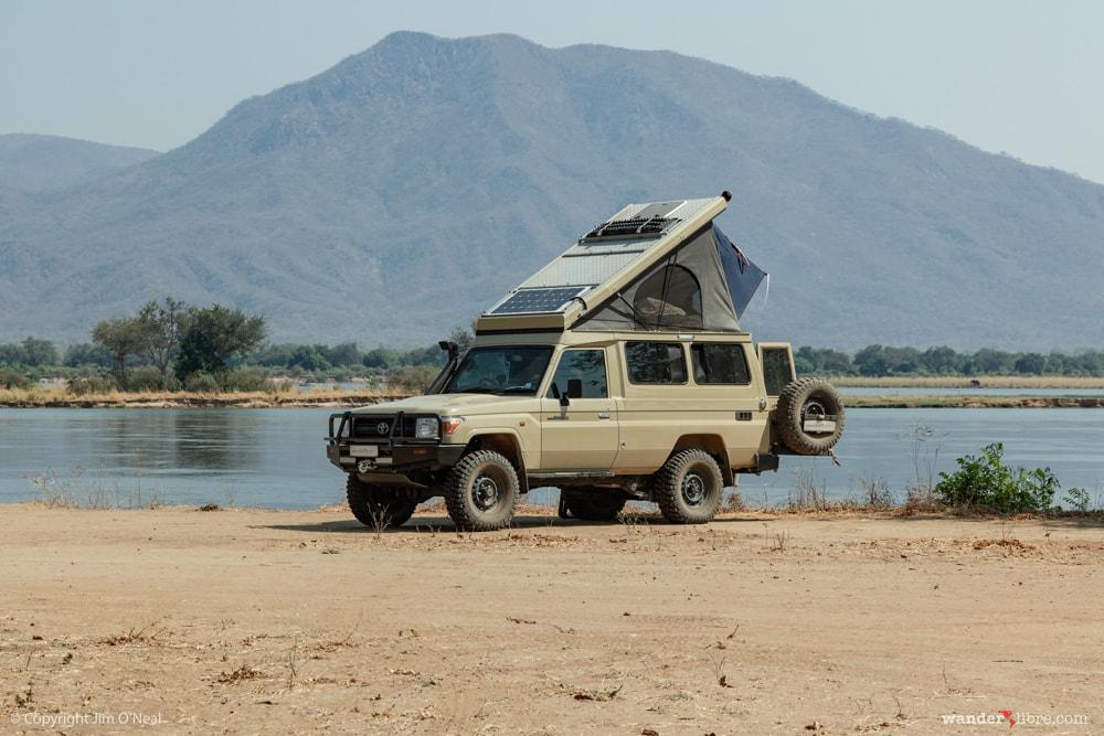Land Cruiser Troopy Camper in Mana Pools Zimbabwe