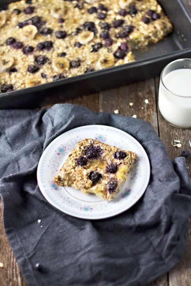 blueberry banana baked oatmeal