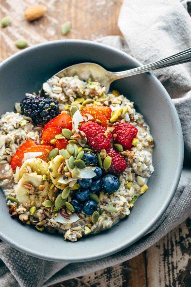 berry-muesli-breakfast-bowls