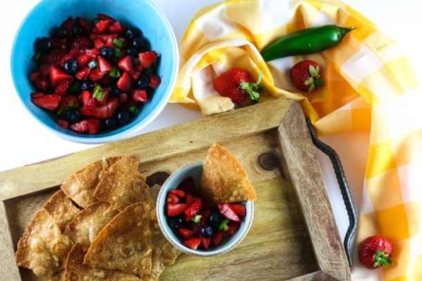 fruit salsa with gluten-free cinnamon chips