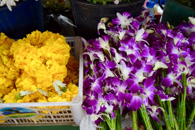 chiang mai market flowers