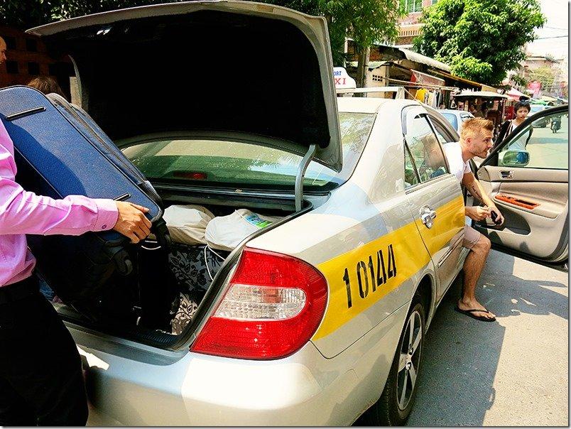 Siem-Reap-to-Phnom-Penh-Taxi