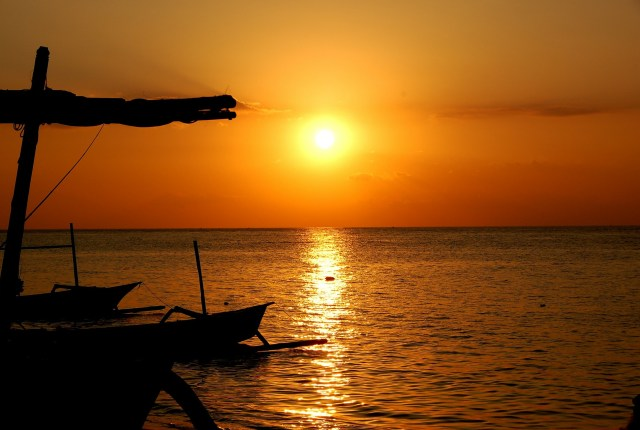 Sunset in Bali (Pixabay)