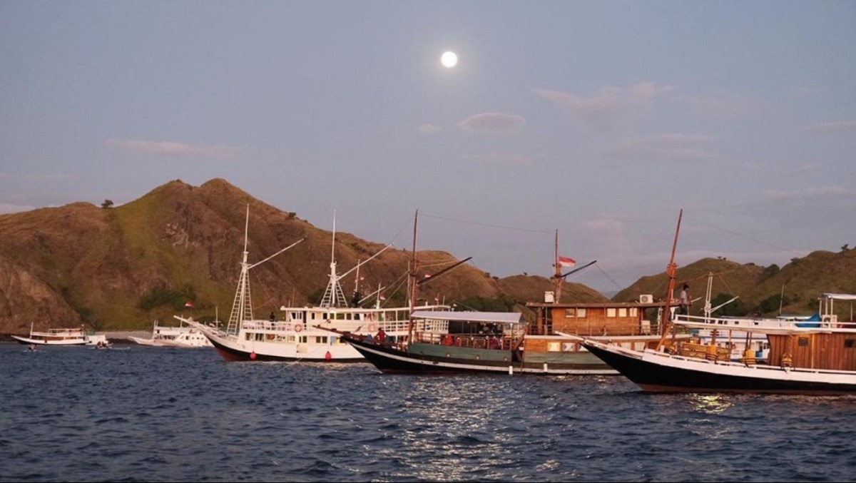 Water route from Lombok to Bali :)
