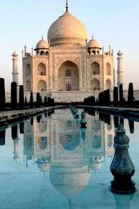 17 special sunrises around the world featuring Taj Mahal in India