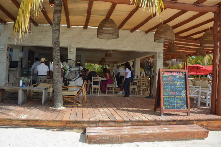 An image of Mar-Bella Rawbar & Grill on Isla Mujeres.