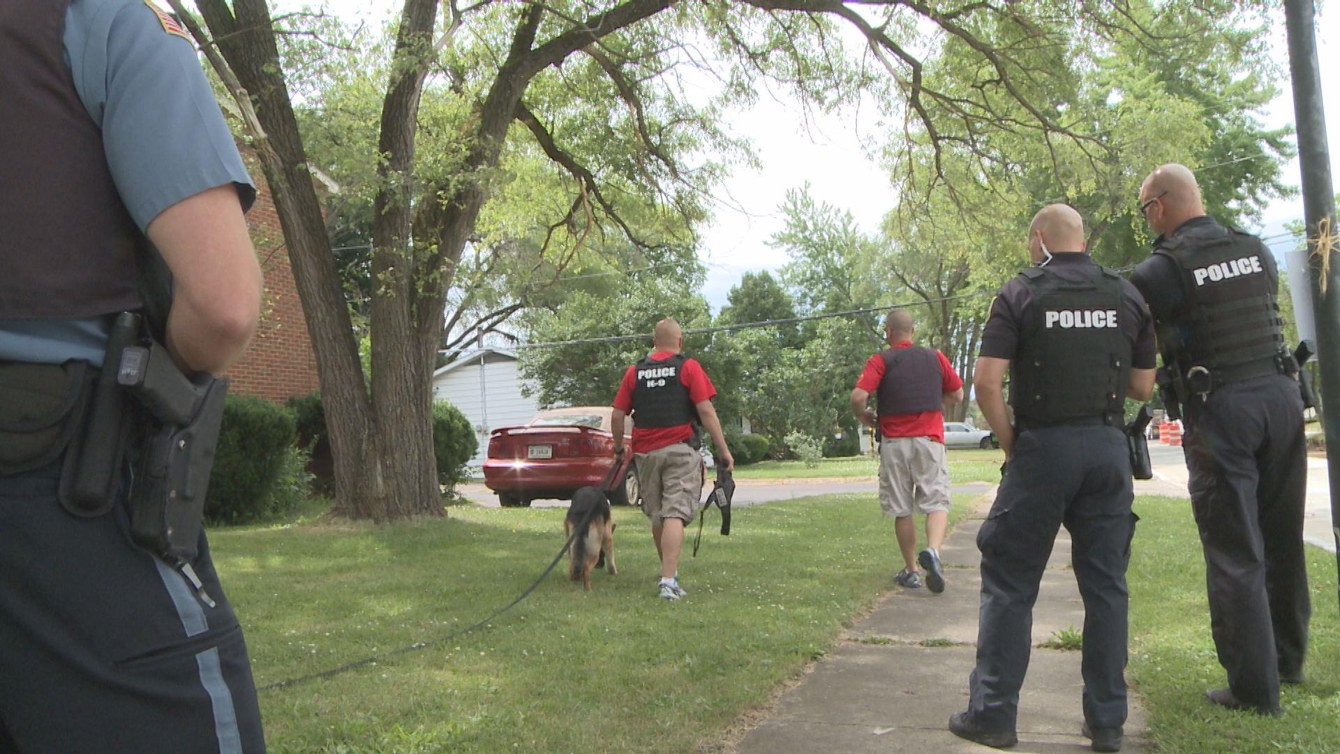gang unit suspect search_191547
